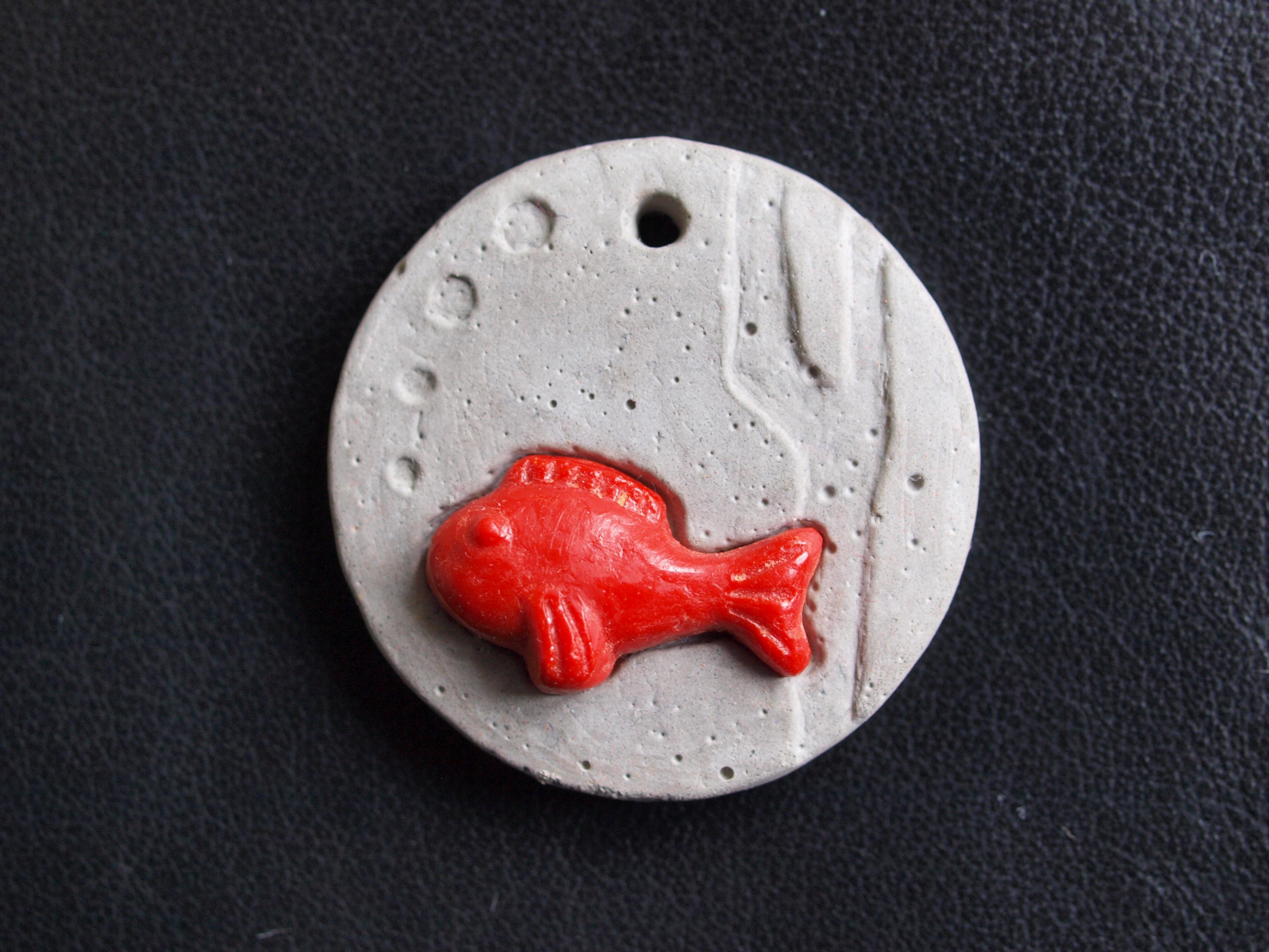 Susanne Renger › Anhänger mit Fisch